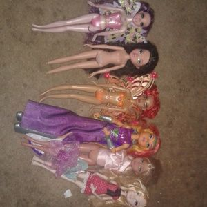 6 barbies as is